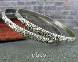 Pair of Vintage Silver Art Deco Patterned Bangle Bracelets