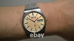 Seiko White QHY030 Blue QHY031 Seiko Lord Quartz 7853-7010 Vintage Quartz Pair