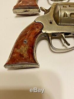 VINTAGE 1940s MATCHED PAIR OF KILGORE LONE RANGER HIYO SILVER CAST IRON CAP GUNS