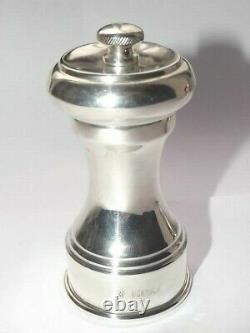 Vintage Solid Silver Sterling Pair Of Pepper Mills Hallmarked Birmingham 1974