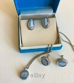 Belle Vintage Wedgwood Bleu, Collier Et 2 Paires De Boucles D'oreilles, Nouveau Prix 129 $