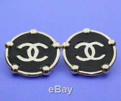 Clip Vintage Chanel CC Paris Ton Argent Noir Sur Boucles D'oreilles Paire 1 1/2 Diamètre