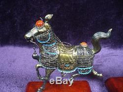 Paire De Chevaux Vintage En Argent Émaillé De Chine, Incrustations De Jade Et D'agate