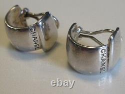 Paire De Clip Vintage Chanel Sur Boucles D'oreilles En Argent
