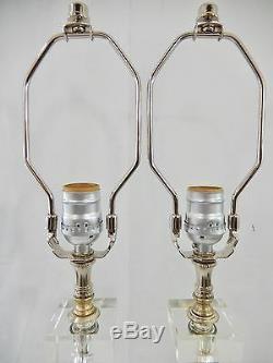 Paire De Lampes À Colonne Vintage En Métal Argenté Et Verre Sur Bases En Lucite