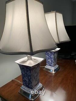 Paire De Lampes De Table Spode Vintage, Rare, Bleu/blanc, Garniture En Argent Satiné Withshades