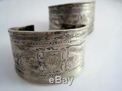 Paire De Manchettes De Bracelets Vintage Nord-africain Berbère Large En Argent