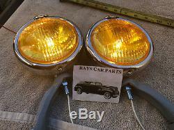 Paire De Petites Lumières De Brouillard De Style Vintage De 6 Volts Couleur Ambre Avec Capuchon De Brouillard @ Supports Gris