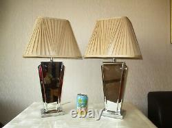 Paire De Prochaine Lampe De Table Art Déco De Style Biseauté Avec Des Nuances Vintage