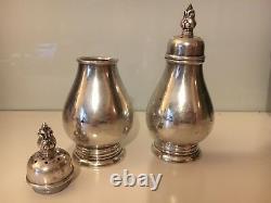 Paire De Vintage Royal Danish Sterling Salt & Pepper Shakers S107