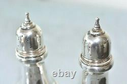 Paire Vintage Williamsburg Arrowsmith 105 G Sterling Silver Salt & Pepper Shakers
