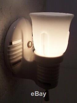 Vtg Art Déco Applique En Porcelaine De Luminaire Argenté Paire De 2 Abat-jours Recâblé USA # C24